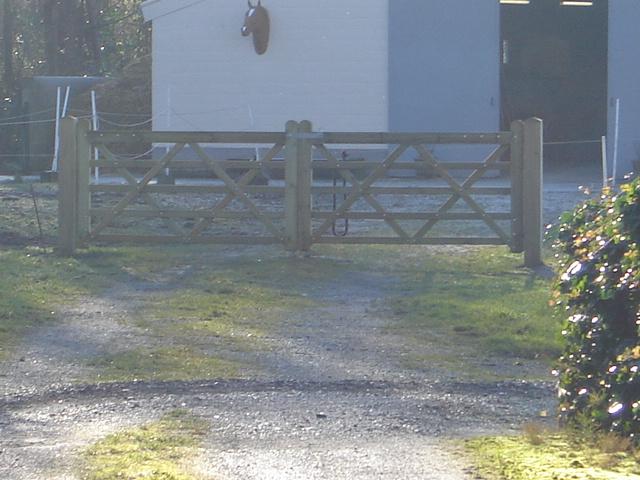 "dubbele houten poort ""Paddock"" den"